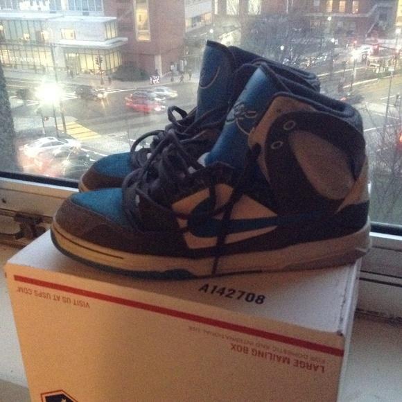 Nike 6.0 Air Zoom Oncore High Skate Shoe